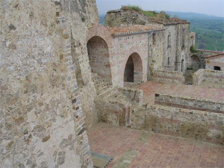 borgo_castello_2.jpg