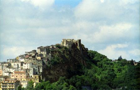 borgo_castello_4.jpg